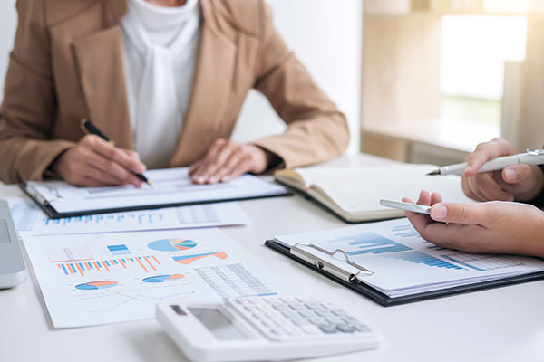 Growing businesses should outsource accounting and bookkeeping