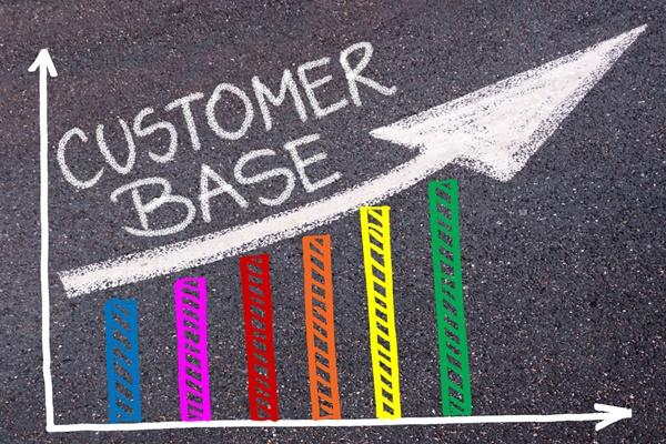 7 Tools to Grow your Business' Customer Base in the next 12 months